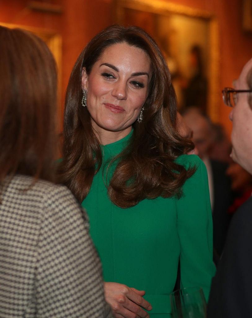 Кейт Миддлтон в ярком изумрудном платье блистала на торжественном приеме в Букингемском дворце (ФОТО)
