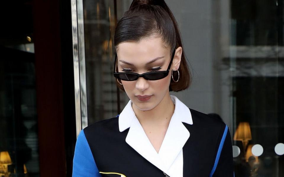 Прежде чем покупать очки, стоит выяснить, какая у вас форма лица. Для этого  не обязательно обращаться за помощью к консультанту, определить ее можно ... 70d36cf2aa6