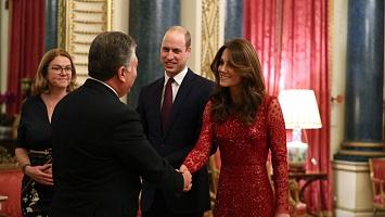 Особливий привід: Кейт Міддлтон у мереживній сукні Needle & Thread на прийомі у Букінгемському палаці