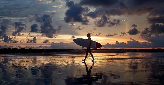 От Мальдив до Португалии:7 мест для незабываемого серфинга