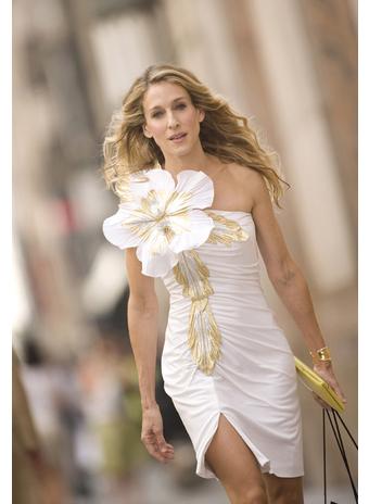 Фотография платья с большим цветком из секса в большом городе