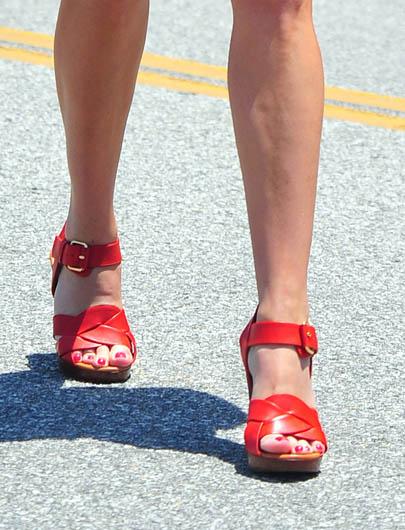 Красные туфилька секс фото 689-363