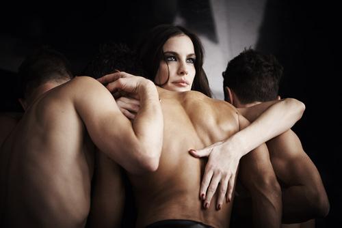 Смотреть порно-бдсм с лив тайлер приехала гости подружка