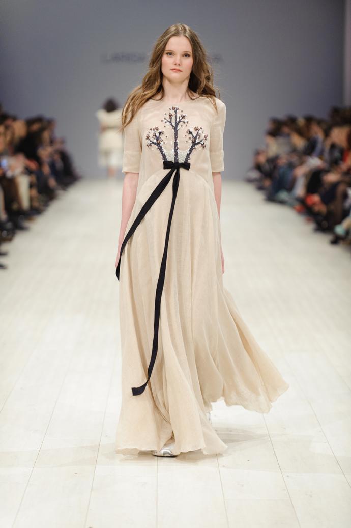 Лобанова платья
