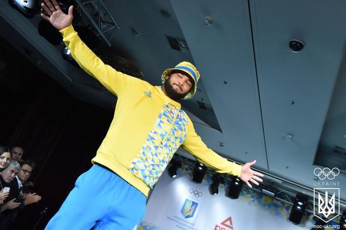 Андре Тан запускає новий бренд чоловічого одягу ATAN MAN... Спорт - новый  секс  рекламная кампания Calvin Klein... UFW  показ Andre Tan ss 16 da687c6fe37cc