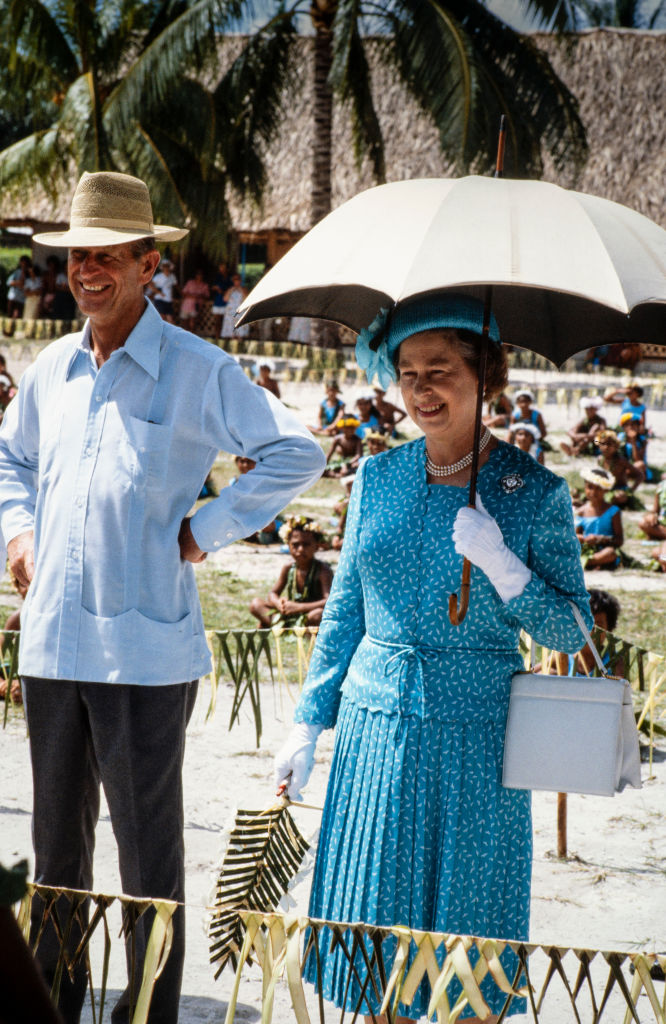 королева Елизавета II и принц Филипп 4