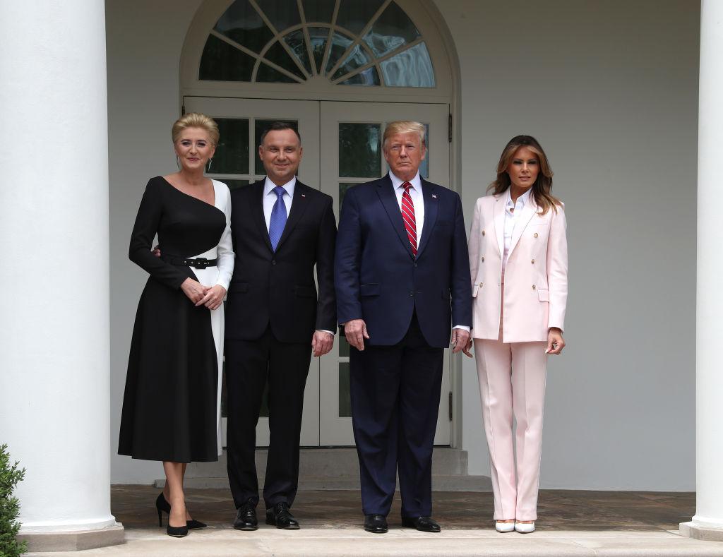 Мелания и Дональд Трамп в Белом доме 23