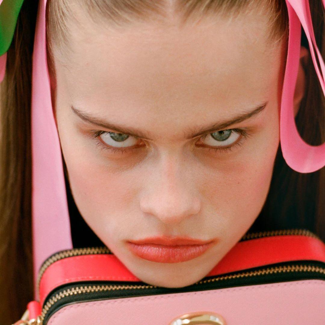 Соня Мохова снялась для кампейна The Marc Jacobs на Одесском пляже и в подсолнухах