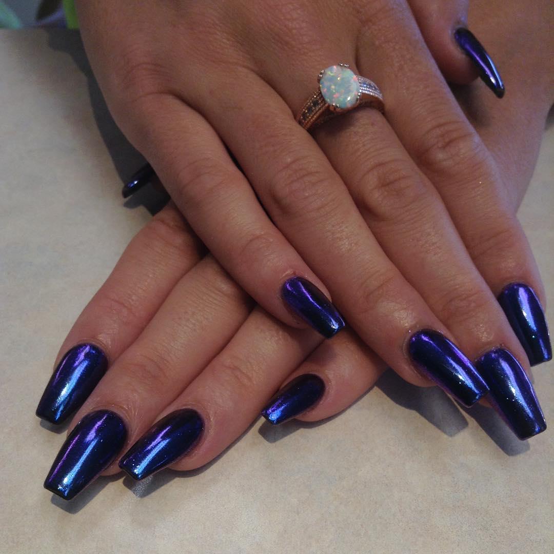 Зеркальный дизайн фиолетового цвета