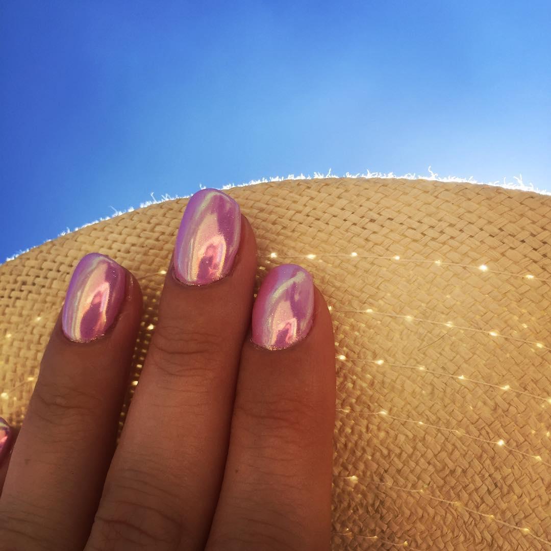 Зеркальные ногти розовые