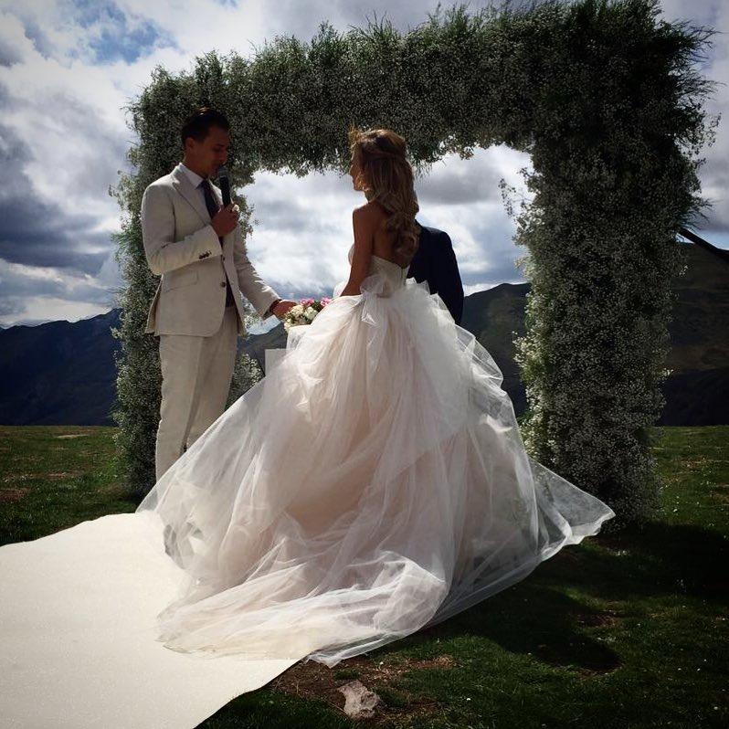 Свадебные фото кольца голубей одно