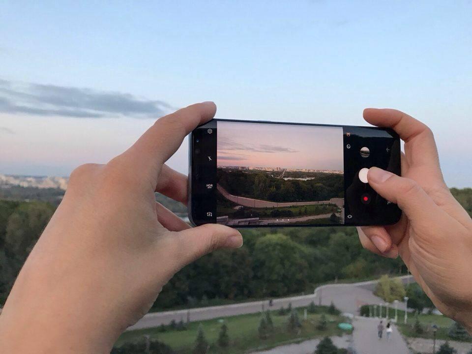 Самсунг обеспечит поддержку запуска Linux-дистрибутивов на телефонах Galaxy S8