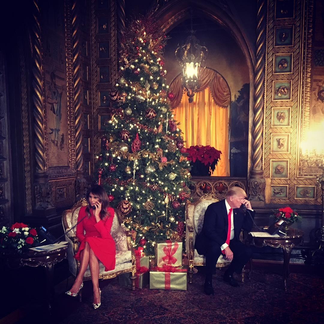 над такой рождественская фотосессия звезд состязаются награду лучшего