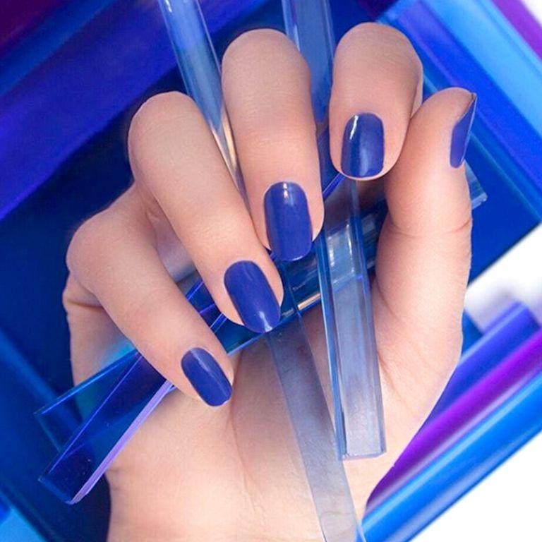 Темно-синий оттенок