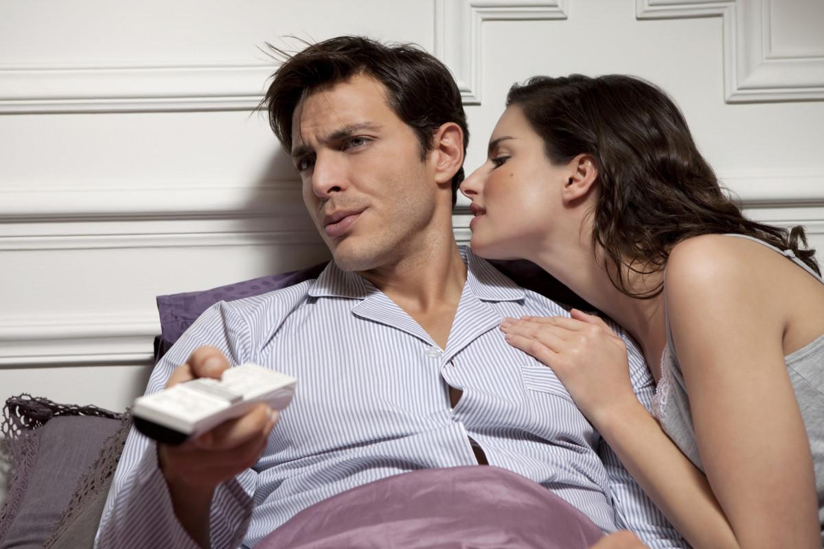 Девушка избегает секса под любым предлогом