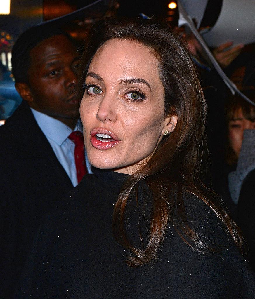 Vanity Fair обосновал подлинность скандального интервью сАнджелиной Джоли