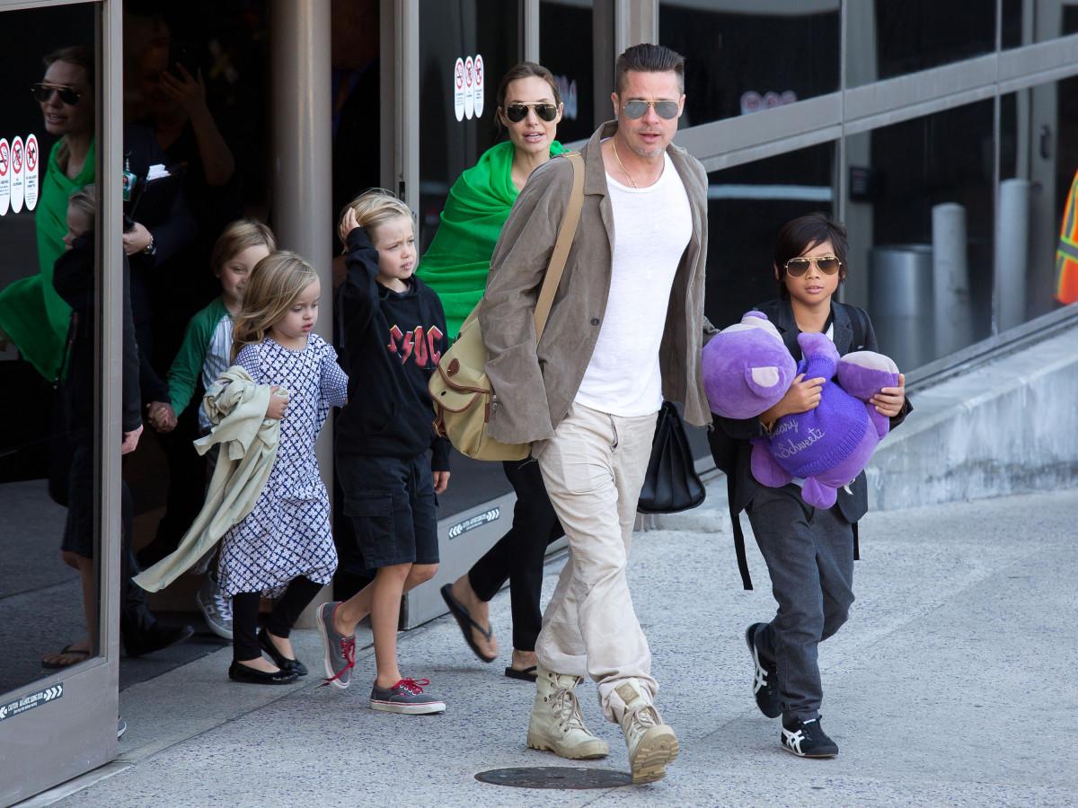 Брэд питт с детьми фото