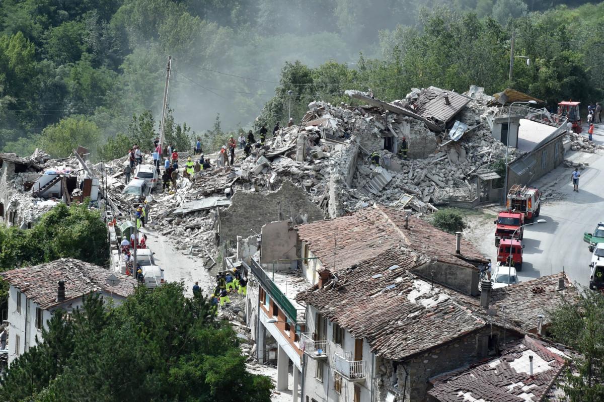 Открытки для, картинки о землетрясениях