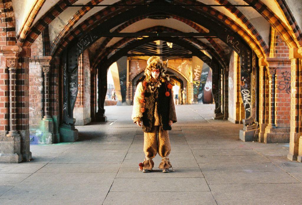 Премьера ELLE: новый клип Джамалы «The Great Pretender»
