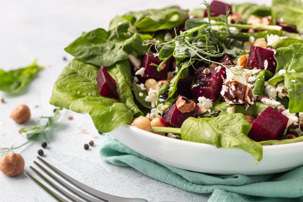 чем заправить салат если на диете