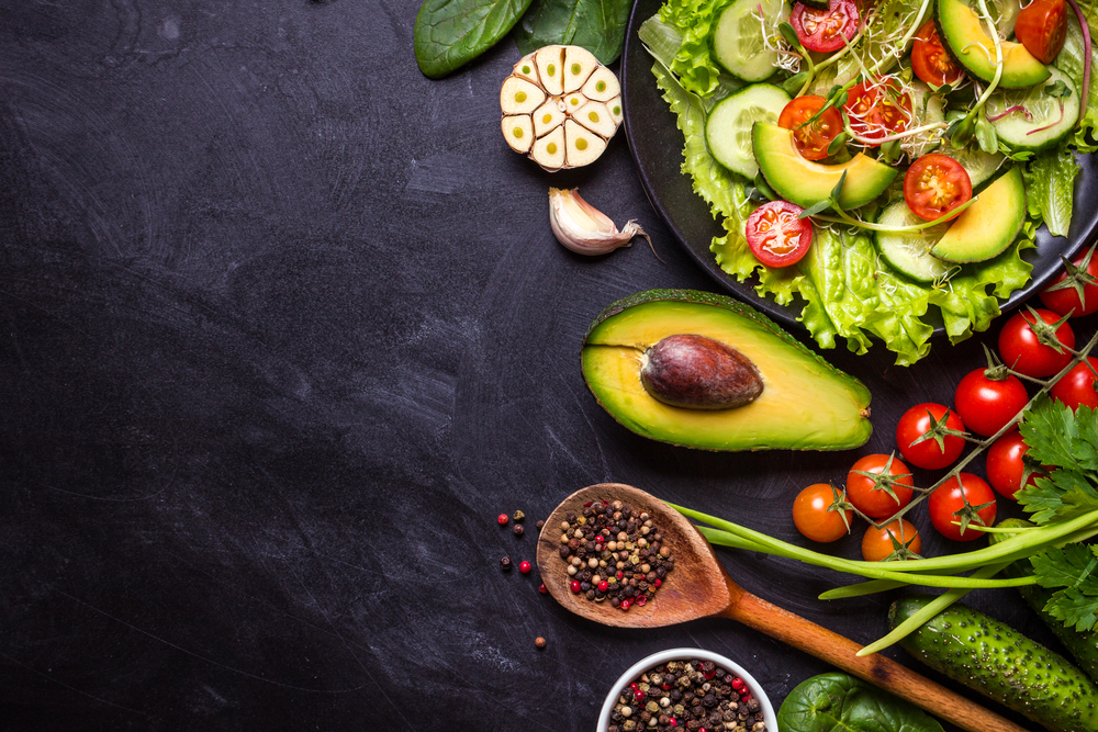 чем заправить салат